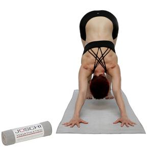 joschi-yogathletics-towel-downdog